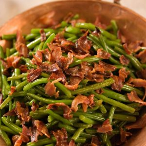 Read more about the article Dairy-Free Green Beans with Crispy Bacon